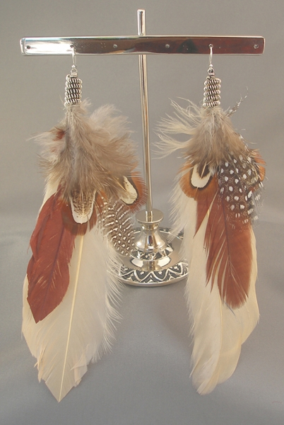 cream-brn-tan-feather-earring_silver-metal_7-inches