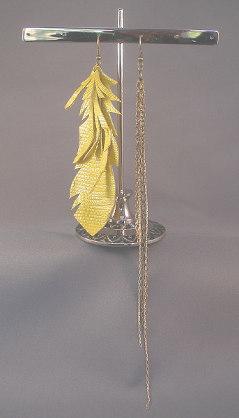 leather-cut-feather-earring_yellow-mix_gold-metal-chain