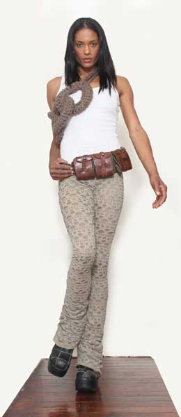 Distressed lace in Oatmeal Leggings